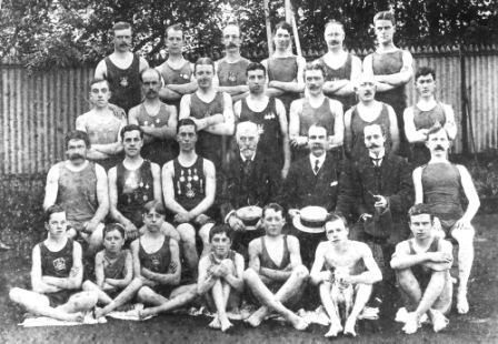 Tonbridge Swimming Club 1910 - image courtesy of Frank Chapman